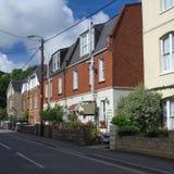Rue dans le village de Combe Martin images stock