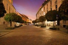 Rue dans Ostrow Tumski par nuit à Wroclaw Image stock