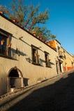 Rue dans San Miguel de Allende Images libres de droits