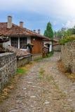 Rue dans Zheravna, Bulgarie Images stock