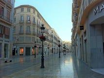 Rue de achat piétonnière au centre de Malaga images libres de droits
