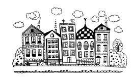 Rue de beaux cottages drôles avec les jardins et l'illustration graphique d'encre de nuages Photo stock