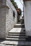 Rue de Callejon de la Casa Encantada dans le secteur de Yanahuara, Arequipa, Pérou Rue faite en roche sillar et volcanique Image libre de droits