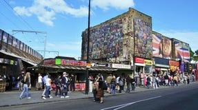 Rue de Camden à Londres, Royaume-Uni Image libre de droits