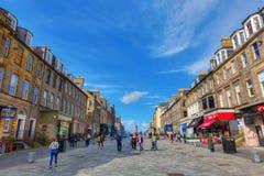 Rue de château dans la ville nouvelle d'Edimbourg Images libres de droits