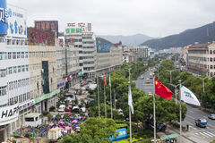 Rue de Crowdy pendant le festival international de photographie de Pingyao images stock