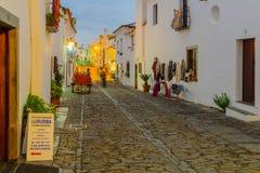 Rue de Direita la rue principale dans Monsaraz Photographie stock libre de droits