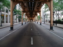 Rue de district des affaires de Chicago Images stock