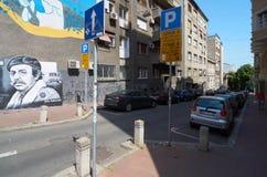 Rue de Kapetan Misina pendant l'après-midi photo libre de droits