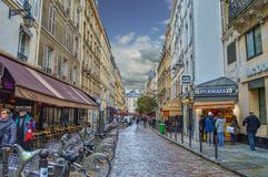 Rue de la Harpe en París, Francia Foto de archivo libre de regalías