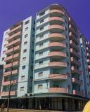 Rue de La Havane avec les bâtiments résidentiels - La Havane, Cuba photo stock