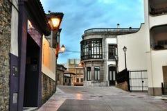 Rue de la ville espagnole de la province d'Oviedo des Asturies Images libres de droits