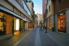 Rue de luxe d'achats à Padoue, Italie Photos stock