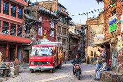 Rue de matin dans Bhaktapur, Népal Image libre de droits