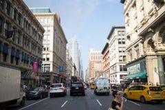 Rue de New York City avec de vieux bâtiments historiques Image libre de droits