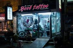 Rue de nuit de Patong à phuket, Thaïlande 2017 Image libre de droits