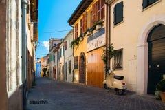 Rue de pêche dans la ville italienne de Rimini photographie stock libre de droits