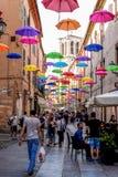 Rue de parapluie à Ferrare - en Italie Photo libre de droits