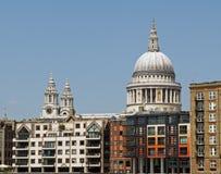rue de pauls de Londres de cathédrale Image stock