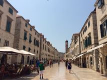 Rue de Placa dans Dubrovnik image libre de droits