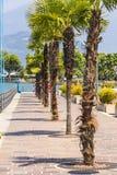Rue de promenade dans la ville d'Iseo, lac Iseo, Italie Photographie stock
