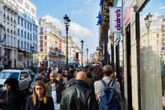 Rue de Rivoli i Paris, Frankrike Royaltyfri Fotografi