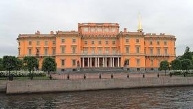 rue de saint de Michael Pétersbourg Russie s de château Image stock