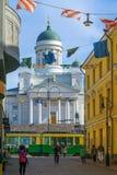 Rue de Sofiankatu, tram, place de sénat, cathédrale luthérienne, dans H image libre de droits