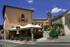 Rue de station touristique italienne Bolsena Images stock