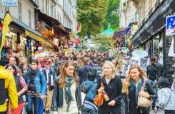 Rue de Steinkerque auf Montmartre-Hügel in Paris, Frankreich Lizenzfreies Stockbild