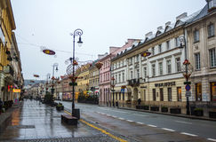 Rue de Varsovie avec le décor de Noël, le 27 novembre 2016 Image stock