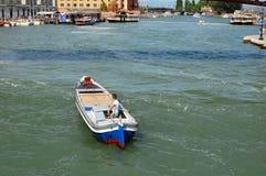 Rue de Venise, Italie Photos stock