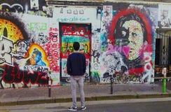 Rue de Verneuil Gainsbourg & x27; s huis royalty-vrije stock afbeeldingen