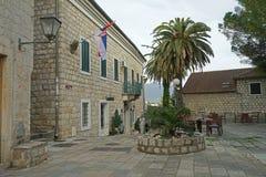 Rue de vieille ville de Herceg-Novi Image stock
