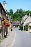 Rue de village de Cotswold, château Combe Photos stock