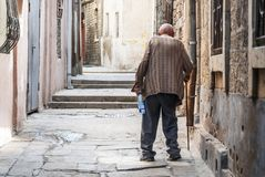 Rue de ville de ville de Bakou vieille en Azerbaïdjan Photo libre de droits