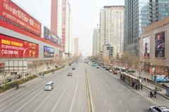 Rue de ville de la Chine Zhengzhou Photographie stock libre de droits