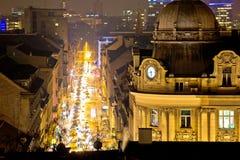 Rue de Zagreb et vue de soirée d'architecture Image libre de droits