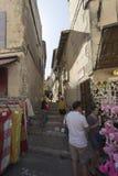 Rue des Arenes, Arles, Γαλλία Στοκ φωτογραφία με δικαίωμα ελεύθερης χρήσης