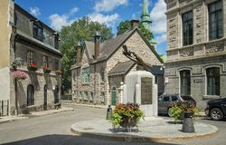 Rue Des Jardins Street Old Quebeque imagens de stock royalty free