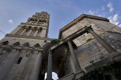 Rue Domnius, fractionnement de cathédrale Images libres de droits