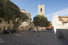 Rue du Bateau, Antibes, France Photos stock