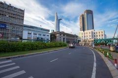 Rue du centre de SaiGon au pont de Cau Mong, centre du centre avec des bâtiments à travers la rivière Ho Chi Minh City de Saigon  Photographie stock