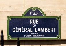 Rue du General Lambert - den gamla gatan undertecknar in Paris Arkivfoto
