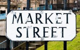 Rue du marché de plaque de rue à Edimbourg Photo libre de droits