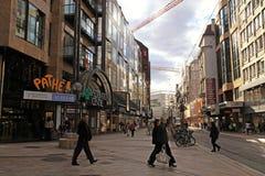 Rue DU Marken, Haupteinkaufsstraße in der Mitte von Genf Lizenzfreie Stockbilder