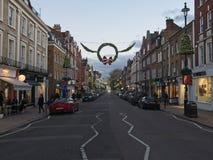 Rue en bois de la taille de St John avec la décoration de Noël le soir image libre de droits