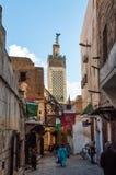 Rue en Médina de Fez Image stock