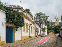 Rue en pierre type de Tiradentes Brésil images libres de droits