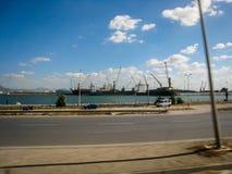 Rue et quai en Tunisie dans temps clair en juillet 2013 Photographie stock
